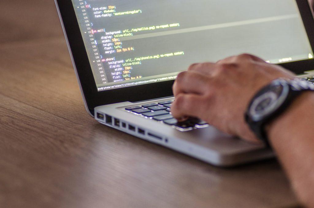 framework Bootstrap 4